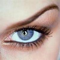Mavi gözler yalan söyle...