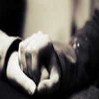 Tut ellerimden hiç kim...