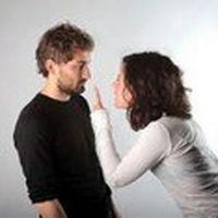 Kocasıyla ağız kavga...