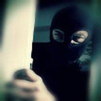 Eve hırsız girip, oda...