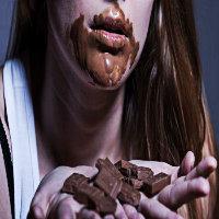 Çikolatamı bölüp fazla ...