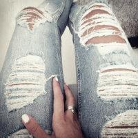 Dün yırtık pantolon ...