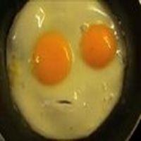A�k; yumurta k�rmay� bile bece...