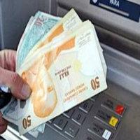 ATM'den para çekiyordu...