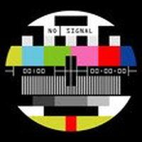 'No Signal' yazan telev...