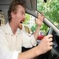 Arabayı kullanırken s...